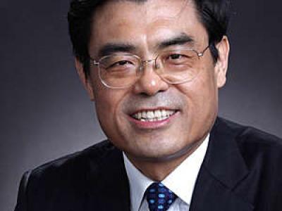 Predsednik IEC-a - YINBIAO SHU
